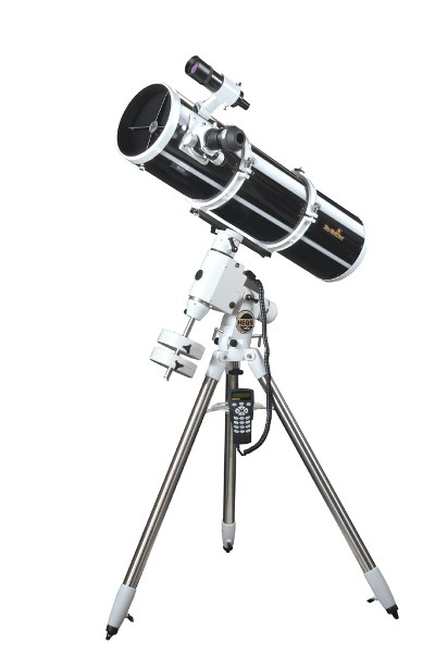 SkyWatcher EXPLORER-200PDS HEQ5 PRO SynScan GOTO Computerised Reflector Telescope