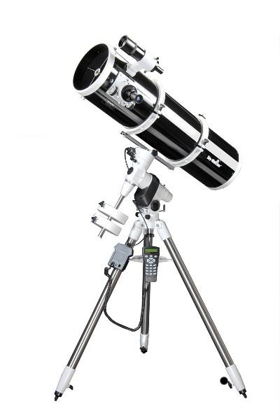 SkyWatcher EXPLORER-200P EQ5 PRO SynScan Computerised GOTO Parabolic Newtonian Telescope